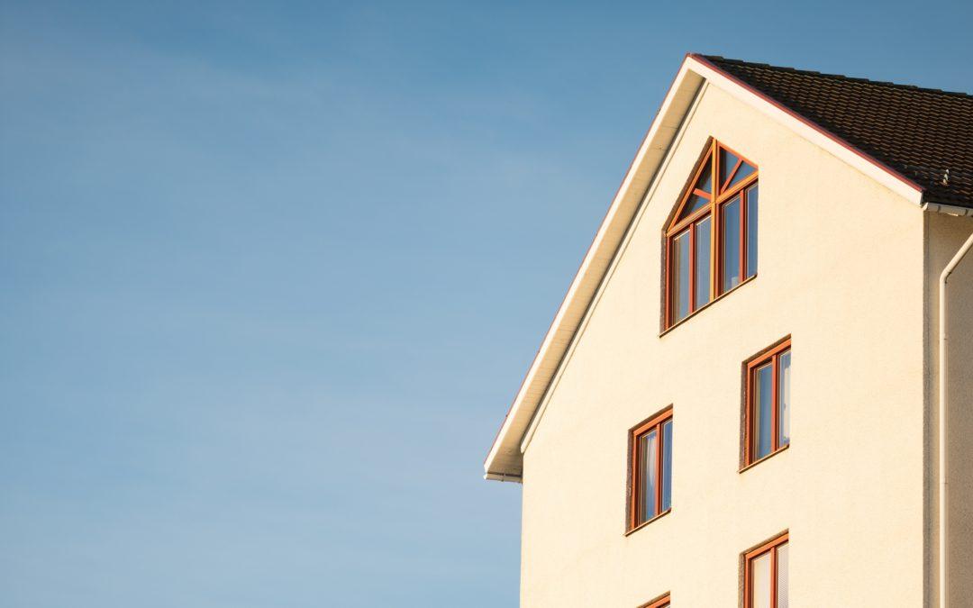 Czy sprzedając nieruchomość warto zlecić operat szacunkowy?